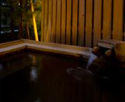 客室露天風呂、内風呂に源泉を使用