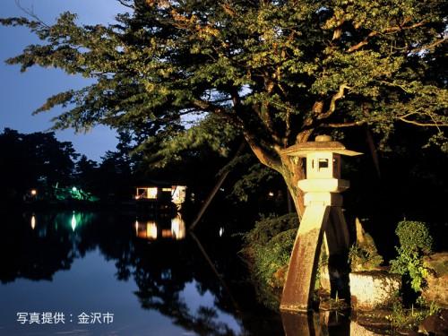 金沢市観光協会_兼六園夜景031_800