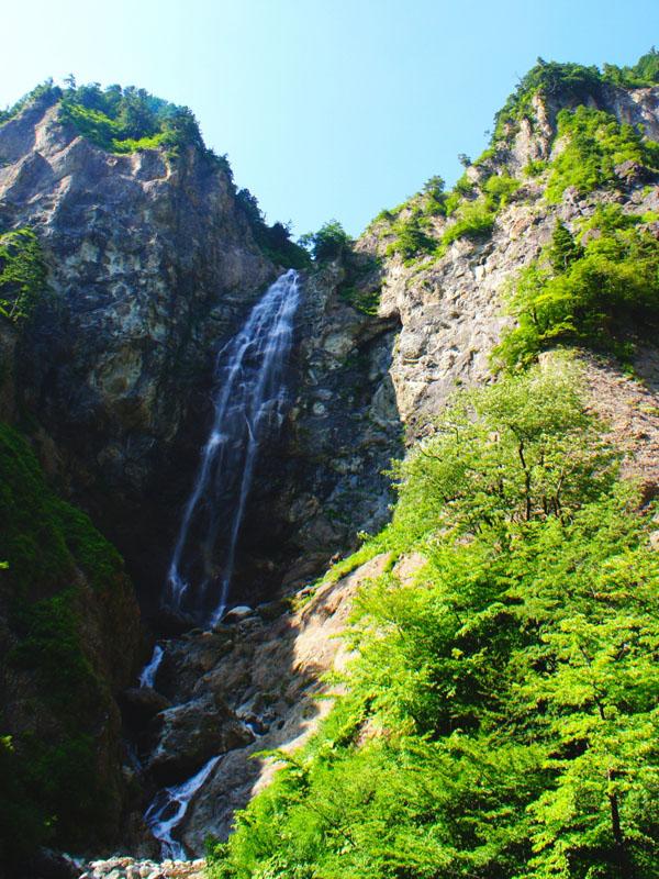 AC白山白川郷ホワイトロード滝と新緑_m