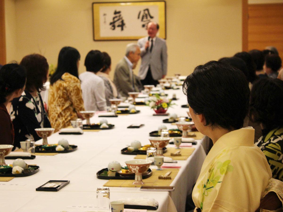 食事会あいさつIMG_6023
