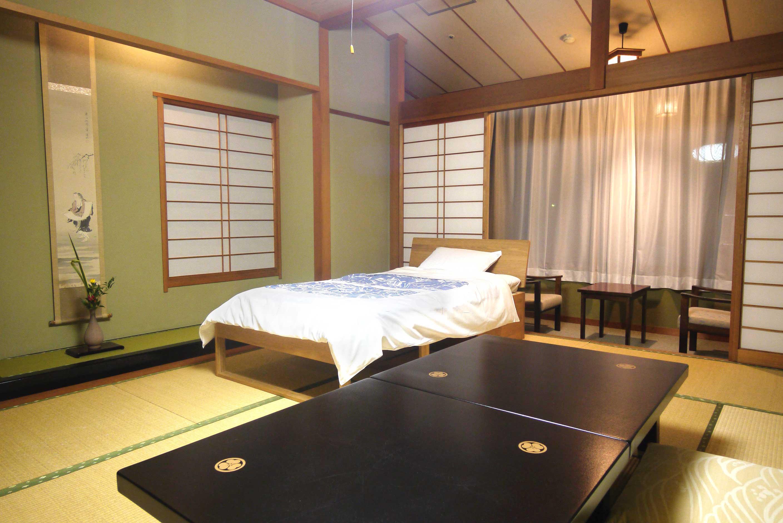 瑞雲316ベッド付き和室P1180177