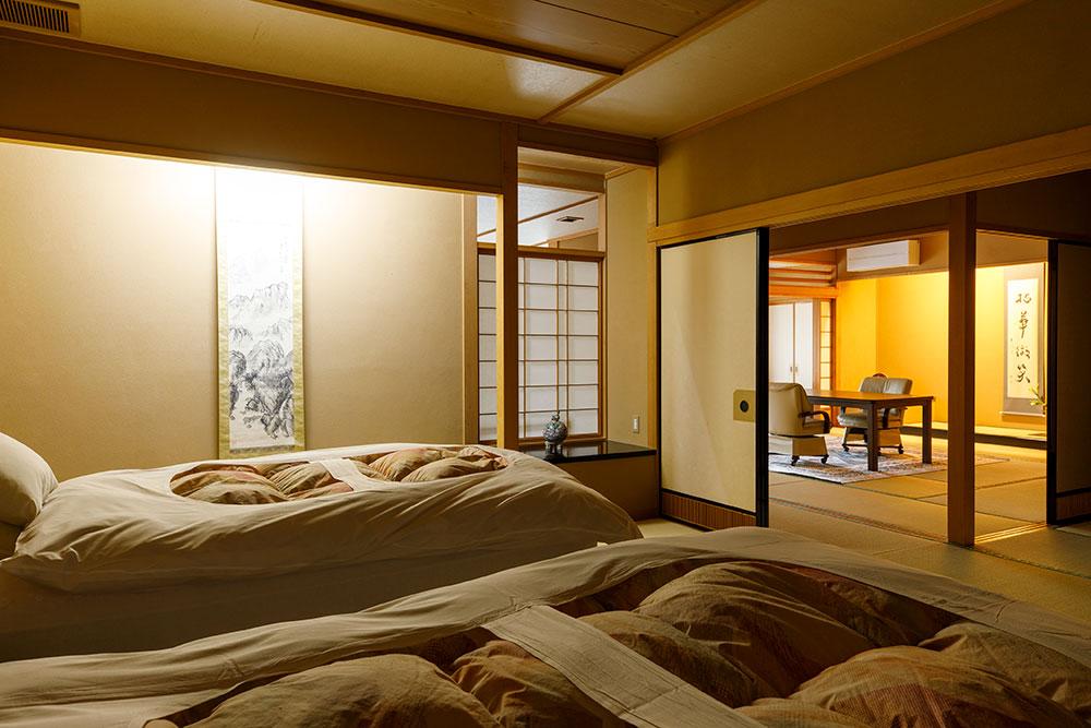 鳳凰ベッド付き特別室302十姉妹_RPT6163